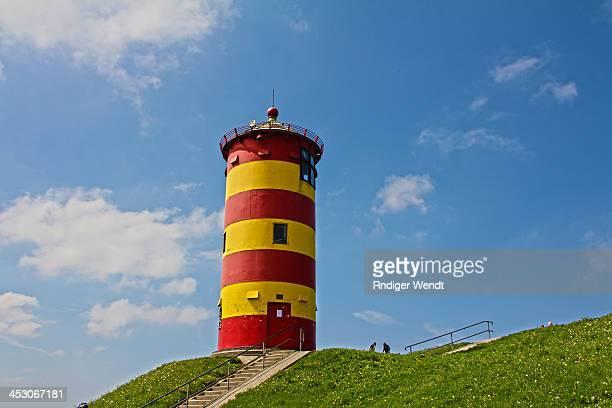 Der Pilsumer Leuchtturm ist ein Leuchtturm auf dem Nordseedeich unweit des zur Gemeinde Krummhörn gehörenden Ortes Pilsum. Der Turm ist eines der...