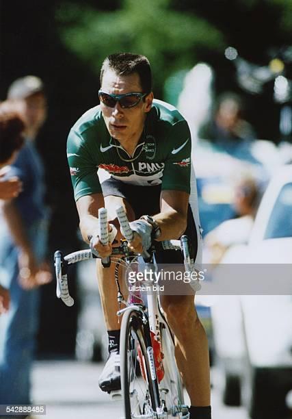 Der Radrennfahrer Erik Zabel bei der Tour de France 1998 im Grünen Trikot. Aufgenommen 1998.