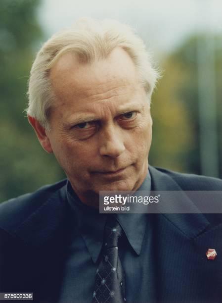 Der Regierungssprecher UweKarsten Heye Aufgenommen Dezember 1998
