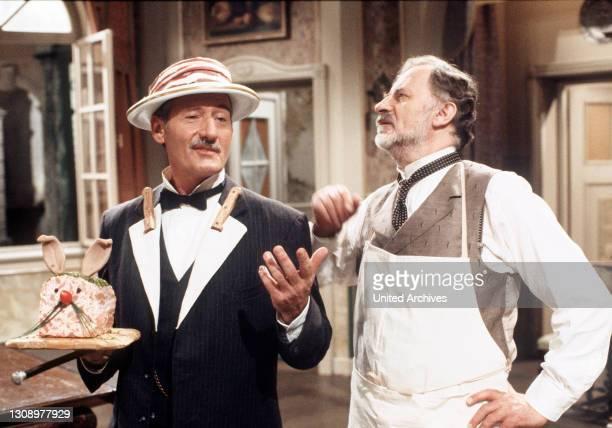 Der reiche Metzger und Hoflieferant Wiener hat seit dem Tod seiner Frau wenig Freude am Leben. Die Konkurrenz sieht nunmehr ihre Chance und versucht...