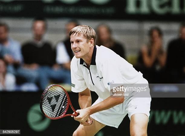 Der russische Tennisspieler Jewgeni Kafelnikow beim DavisCup 1999 in Frankfurt am Main Aufgenommen 1999
