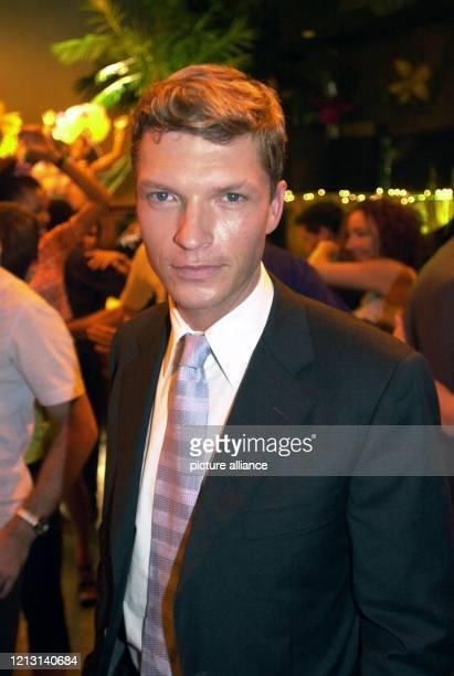 Der Schauspieler Hardy Krüger jr posiert am 882000 in Köln am Rande der Aufnahmen zu der Manhattan Love Story Nancy und Frank nach dem...
