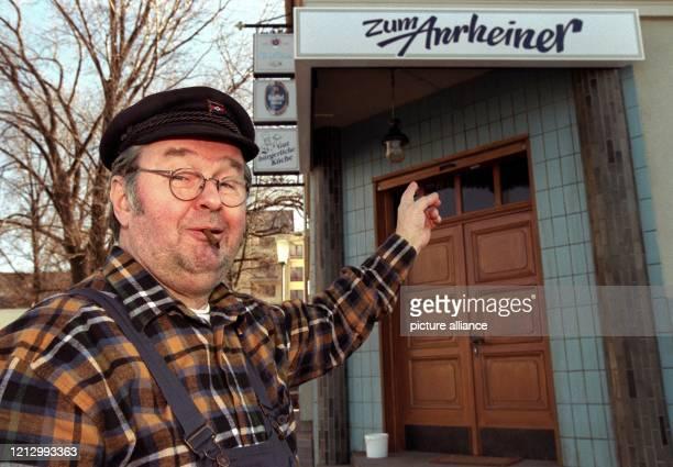 """Der Schauspieler und Kabarettist Ernst Hilbich als Jupp Adamski in der TV- Serie """"Die Anrheiner"""" . Ernst Herbert Hilbich, so sein vollständiger Name,..."""