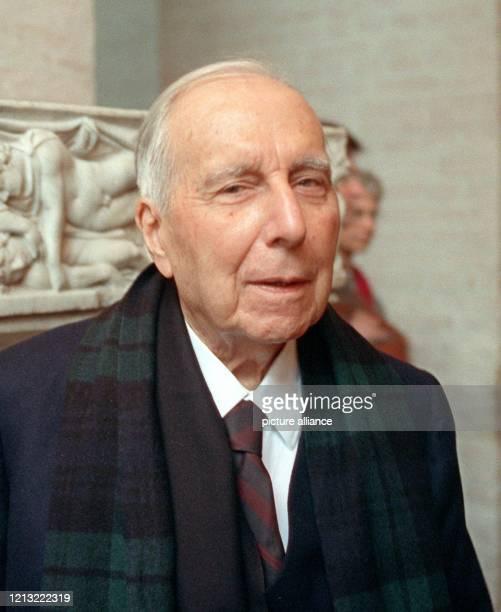 Der Schriftsteller Julien Green ist tot. Er starb bereits am 13.8.1998 im Alter von 97 Jahren in Paris. Der US-Staatsbürger lebte in Frankreich und...