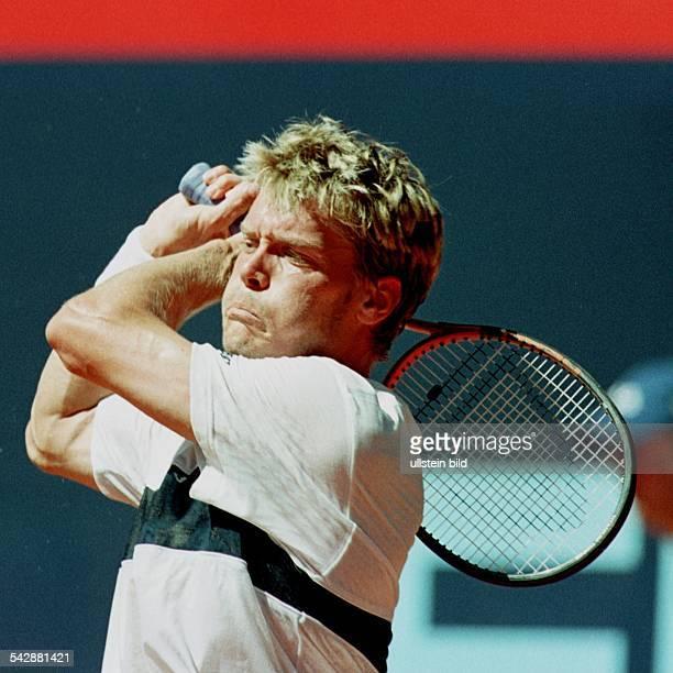 Der schwedische Tennisspieler Thomas Enqvist beim Hamburger ATP -Turnier am Rothenbaum in der zweiten Runde. .
