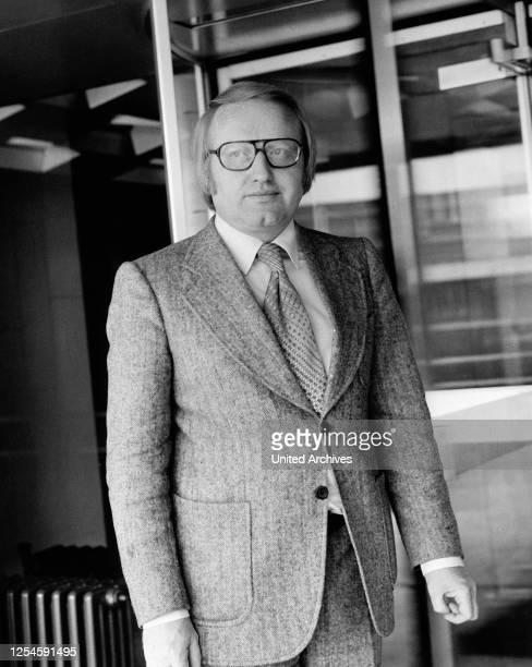 Der Sprecher der ARD Tagesschau, Werner Veigel, um Ende 1970er Jahre.