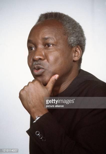 Der Staatspräsident von Tansania Julius Nyerere aufgenommen am 5 Mai 1976 in Bonn Der im März oder April 1922 als eines von 26 Kindern eines...