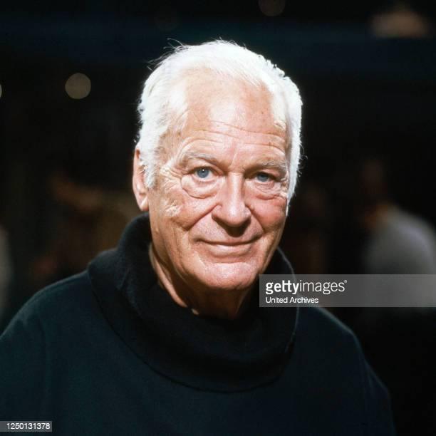 Der österreichisch schweizerische Bühnen- und Filmschauspieler Curd Jürgens, Deutschland 1980er Jahre.