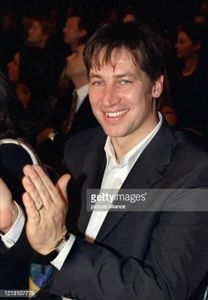"""Der österreichische Schauspieler Tobias Moretti nimmt am Abend des 30.3.2000 an dem so genannten """"Frühlingsevent"""" der Bayerischen Motoren Werke AG in..."""