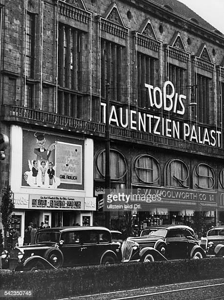 Der Tauentzien Palast am Tag nach derEinweihung als Uraufführungstheater derTobis