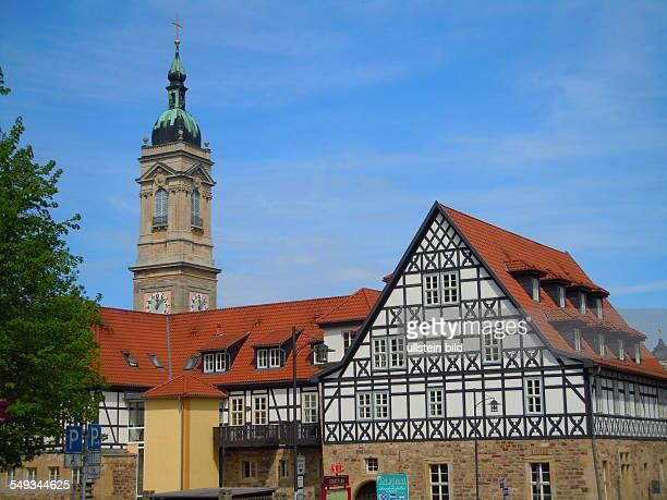 Der Turm der Georgenkirche steht am Marktplatz Aufgenommen in Eisenach am 30 April 2012