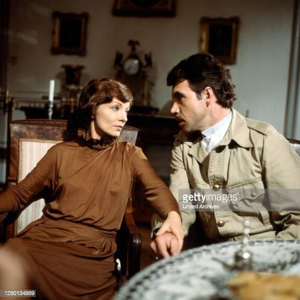 Der unwürdige Liebhaber, Fernsehfilm, Deutschland 1982, Darsteller: Karin Anselm, Wolf Roth.