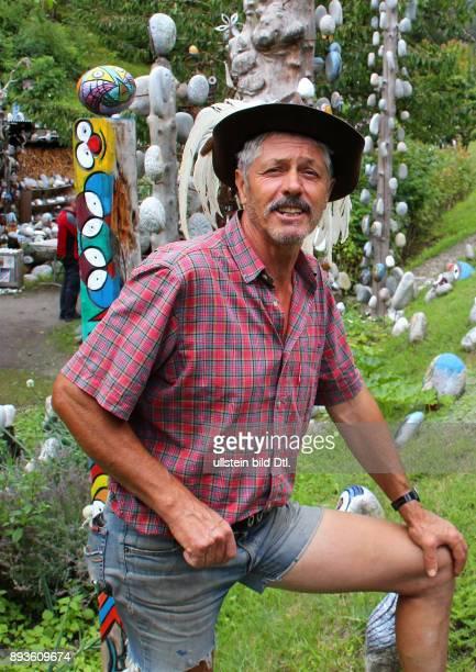 Der Vinschger Indianer Lorenz Kuntner Freilichtmuseum Prato Stelvio Prad am Stilfserjoch / Urlaub Sommer Italien Italienische Republik italienisch...