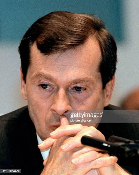 Der Vorstandsvorsitzende der Hoechst AG, Jürgen Dormann, aufgenommen zu Beginn der Aktionärs- Hauptversammlung am 4.5.1999 in Frankfurt-Höchst. Die...