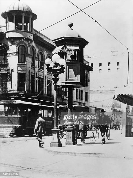 Der Weichensteller für die elektischen Strassenbahnen in einem Turm 1910