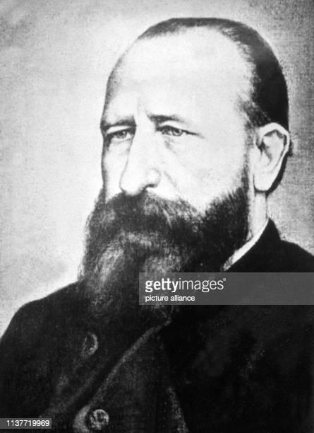 Der Zoologe und Forschungsreisende Alfred Brehm Er wurde am 2 Februar 1829 in Renthendorf geboren und starb ebenda am 11 November 1884 Er war...