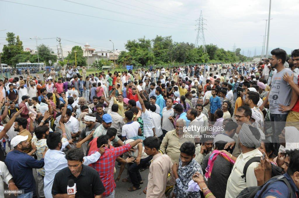 Godman Gurmeet Ram Rahim Convicted: Supporters Go On A Rampage : News Photo