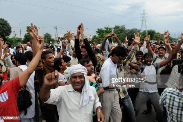 Dera Followers Celebrating when they got fake news about releasing of Dera chief Gurmeet Ram Rahim Singh insan from CBI court while later he was...