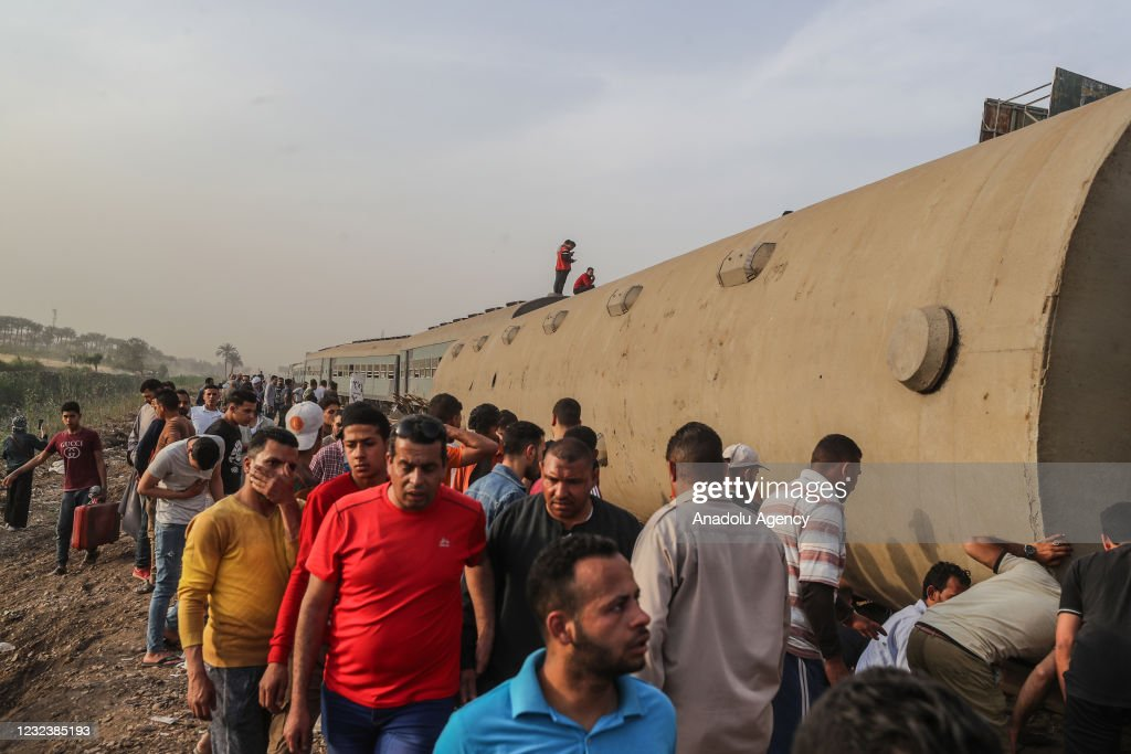 Casualties as passenger train derails in Egypt : News Photo