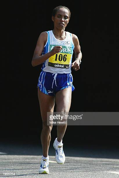 Derartu Tulu of Ethiopia in action during the Flora London Marathon held on April 13 2003 in London