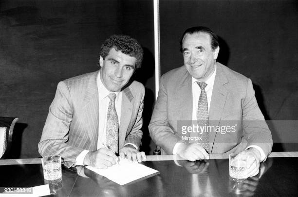 Derby County chairman Robert Maxwell with new signing Peter Shilton 24th June 1987