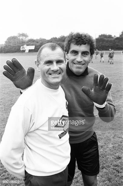 Derby County manager Arthur Cox with new signing Peter Shilton 22nd July 1987