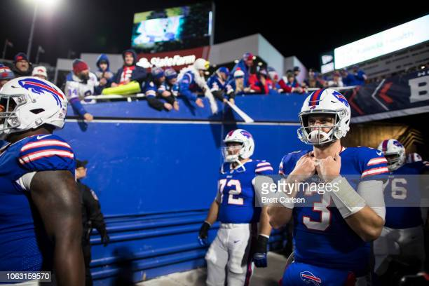 Derek Anderson of the Buffalo Bills enters the field before the game against the New England Patriots at New Era Field on October 29 2018 in Orchard...