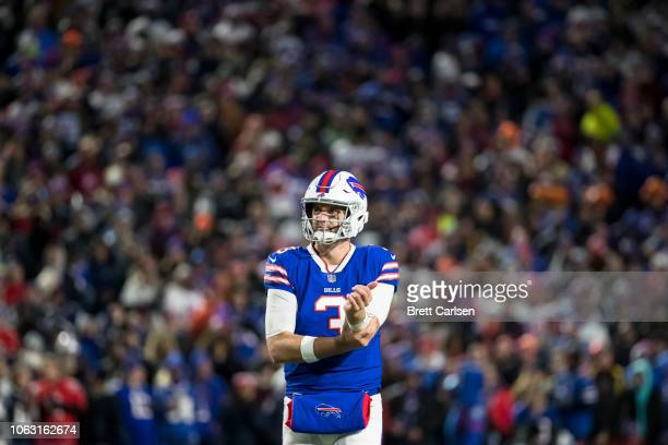 Derek Anderson of the Buffalo Bills looks at the scoreboard during the second quarter against the New England Patriots at New Era Field on October 29...