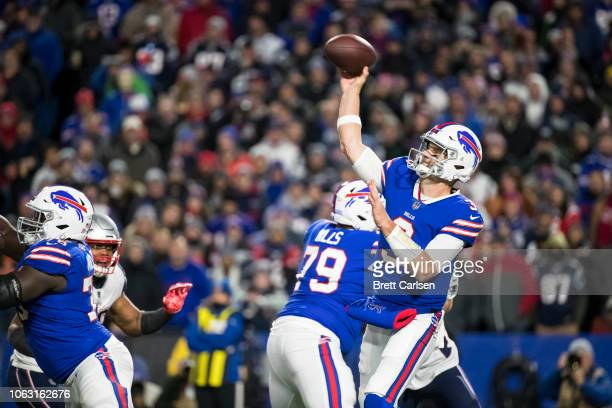 Derek Anderson of the Buffalo Bills passes the ball during the second quarter against the New England Patriots at New Era Field on October 29 2018 in...