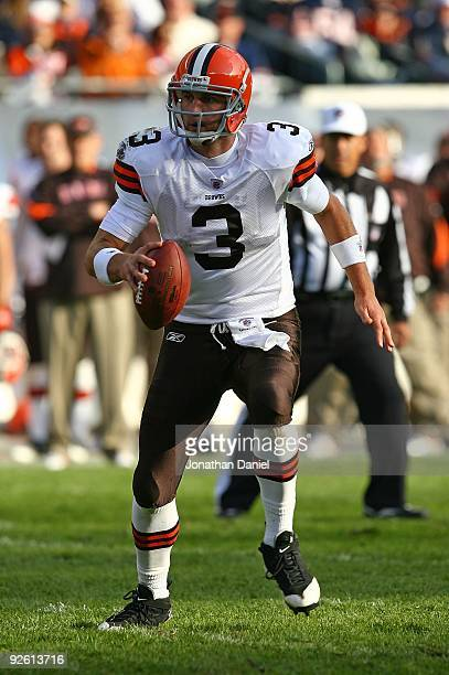 Derek Anderson of the Cleveland Browns looks for a receiver against the Chicago Bears at Soldier Field on November 1 2009 in Chicago Illinois The...