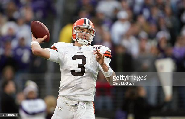 Derek Anderson of the Cleveland Browns passes the ball during the game against the Baltimore Ravens at M&T Bank Stadium December 17, 2006 in...