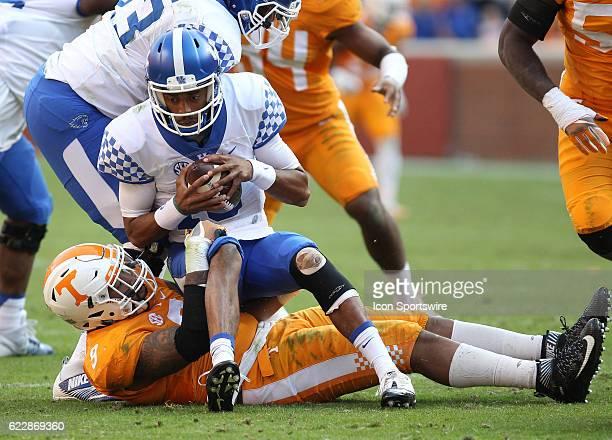 Derek Barnett Tennessee Volunteers defensive linemen sacks Stephen Johnson Kentucky Wildcats quarterback during the game between the Kentucky...