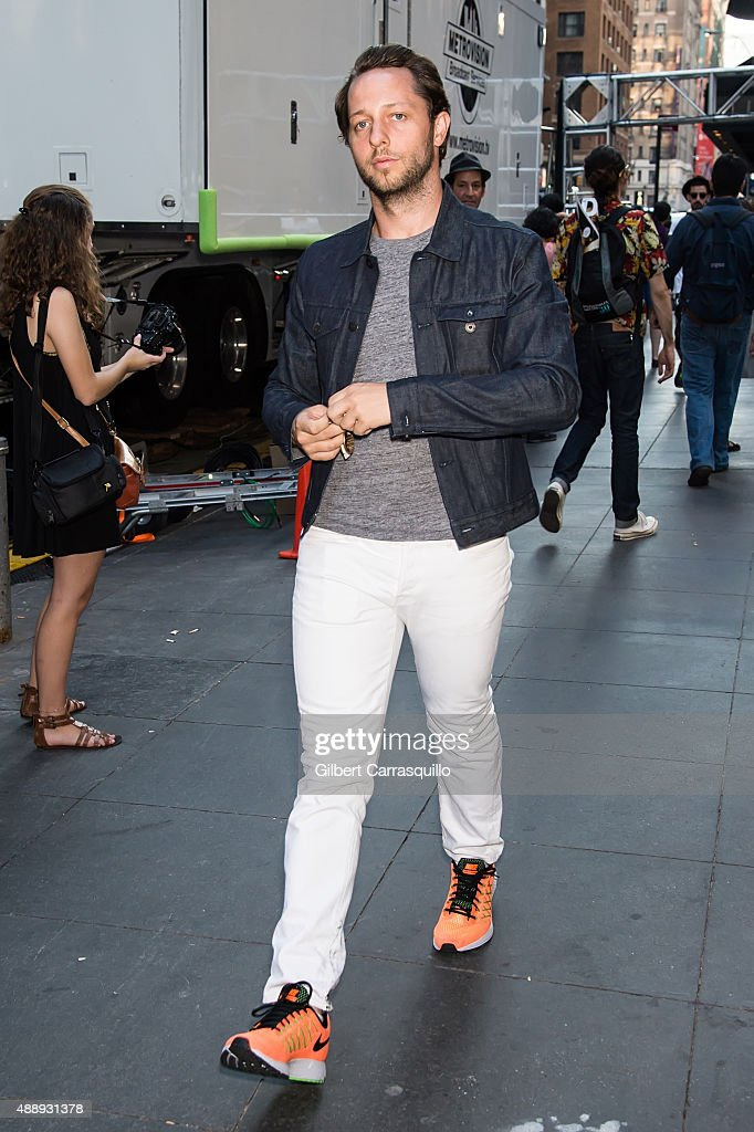 Derek Blasberg is seen arriving at Marc Jacobs fashion show during Spring 2016 New York Fashion Week on September 17, 2015 in New York City.