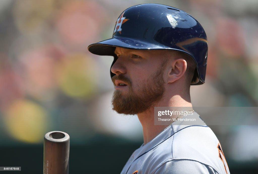 Houston Astros v Oakland Athletics - Game One : News Photo