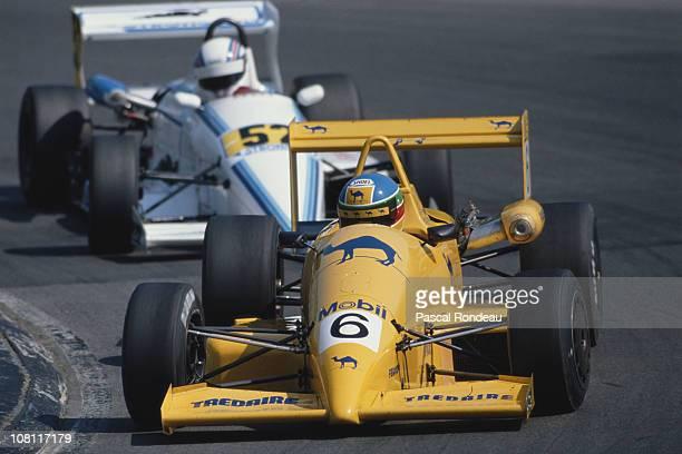 Derek Higgins drives the Camel Paul Stewart Racing Reynard Honda 903 during the British Formula 3 Championship race on 29th April 1990 at the Brands...