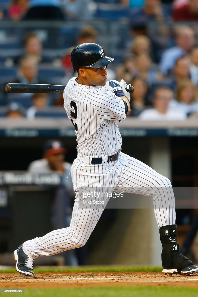 Derek Jeter #2 of the New York Yankees in action against Houston Astros at Yankee Stadium on August 19, 2014 in the Bronx borough of New York City. Astros defeated the Yankees 7-4.
