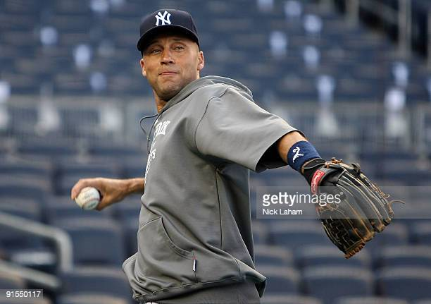 Derek Jeter of the New York Yankees warms up at batting practice prior to Game One of the ALDS against the Minnesota Twins during the 2009 MLB...