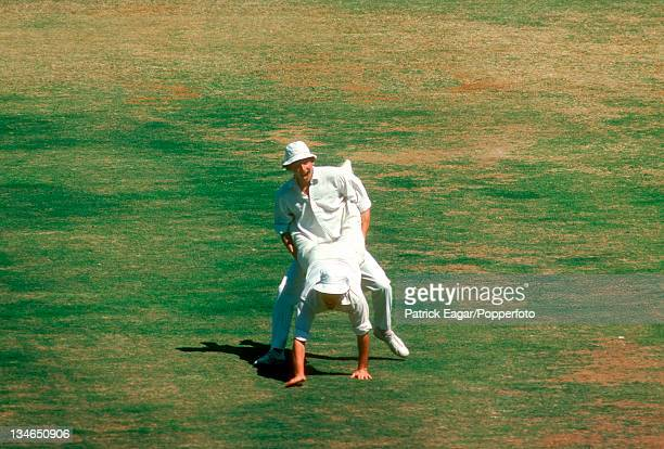 Derek Randall playing up to the crowd India v England 3rd Test Madras Jan 197677