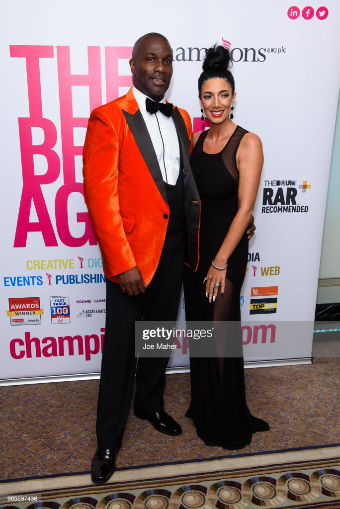 Rainbows Celebrity Charity Ball - Red Carpet Arrivals : News Photo