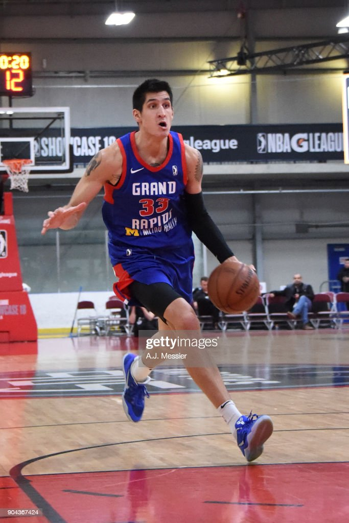 Derek Willis #33 of the Grand Rapids Drive handles the ball against the Iowa Wolves NBA G League Showcase Game 20 between the Grand Rapids Drive and the Iowa Wolves on January 12, 2018 at the Hershey Centre in Mississauga, Ontario Canada.
