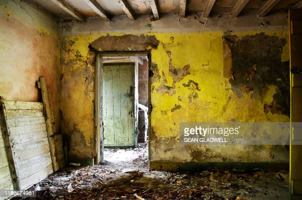 derelict interior room - house collapsing stock pictures, royalty-free photos & images