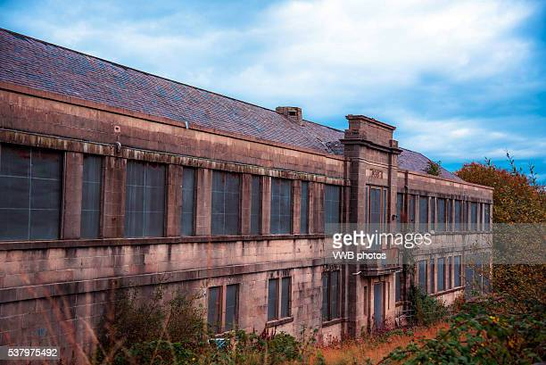 derelict school building, once part of rothesay academy, rothesay, isle of bute, argyll, scotland - 老朽化 ストックフォトと画像