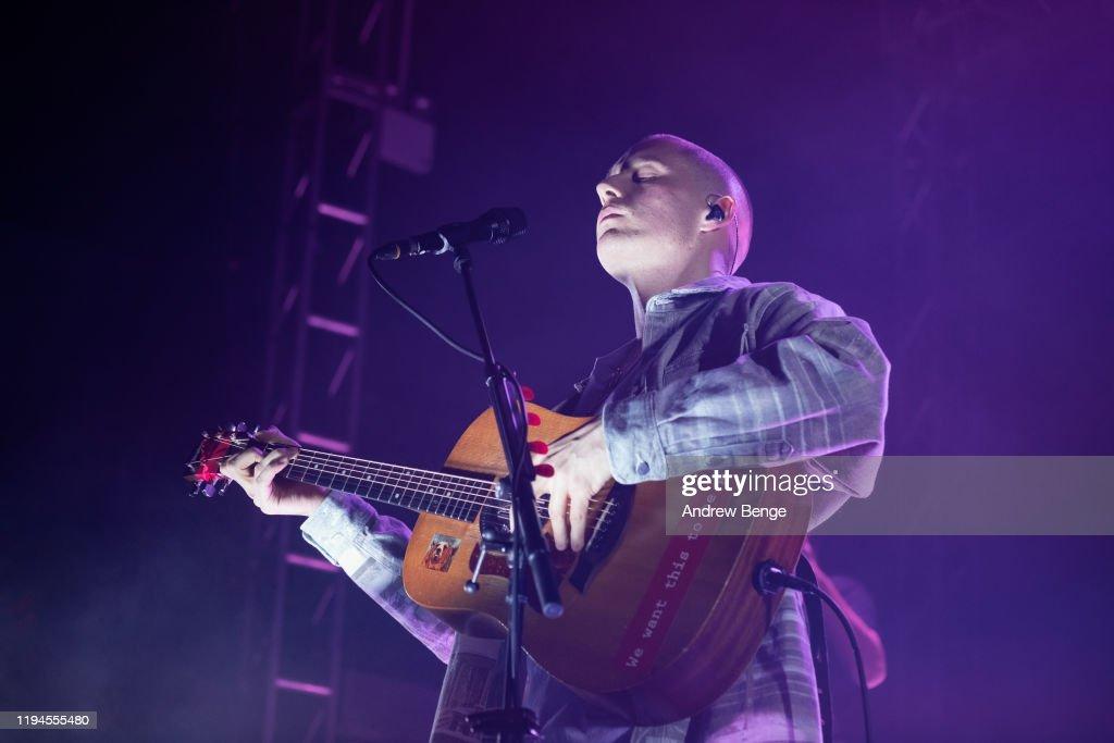 Dermot Kennedy Performs At O2 Academy, Leeds : Nieuwsfoto's