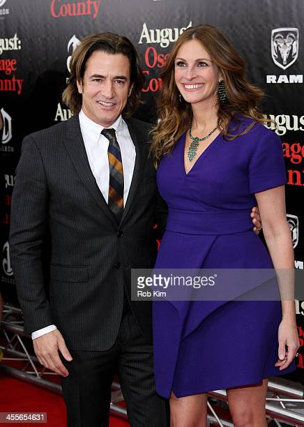 Dermot Mulroney and Julia Roberts attend the premiere of AUGUSTOSAGE COUNTY presented by The Weinstein Company with DeLeon Tequila on December 12...