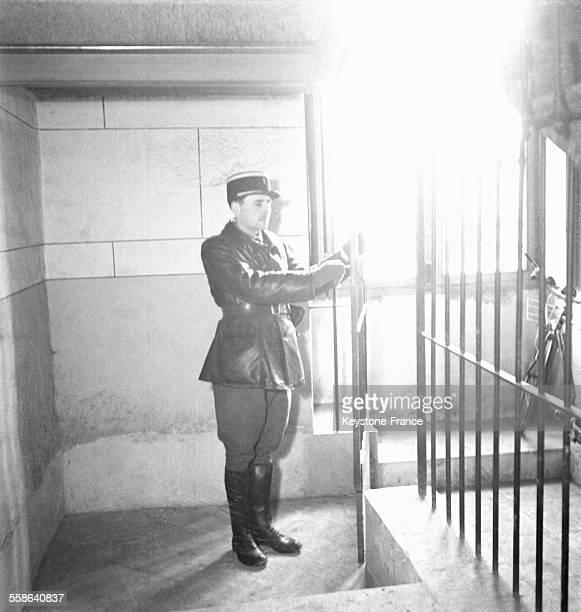 Derniers preparatifs avant l'ouverture du proces voulu par les dirigeants du regime de Vichy qui avait pour objectif de demontrer que les hommes...