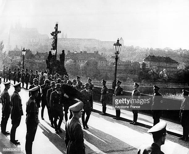 Dernière photo de Reinhard Heydrich, nommé le 'boucher de Prague' dans les rue de Prague, République tchèque en juin 1942.