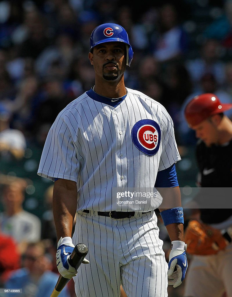 Derrek Lee #25 of the Chicago Cubs walks back to the dugout after striking out against of the Arizona Diamondbacks at Wrigley Field on April 29, 2010 in Chicago, Illinois. The Diamondbacks defeated the Cubs 13-5.