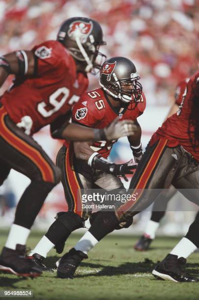 Derrick Brooks Linebacker for the Tampa Bay Buccaneers during the National Football Conference Central game against the Detroit Lions on 9 December...