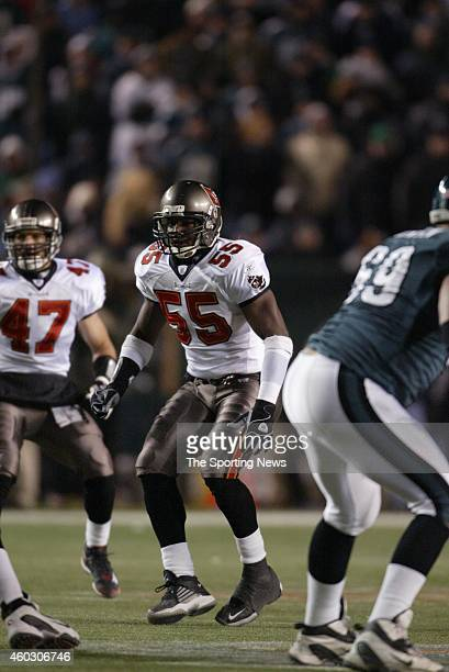 Derrick Brooks of the Tampa Bay Buccaneers in action during a game against the Philadelphia Eagles on January 19 2003 at Veteran's Stadium in...
