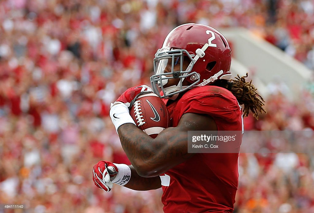 Derrick Henry #2 of the Alabama Crimson Tide rushes in for a touchdown against the Tennessee Volunteers at Bryant-Denny Stadium on October 24, 2015 in Tuscaloosa, Alabama.
